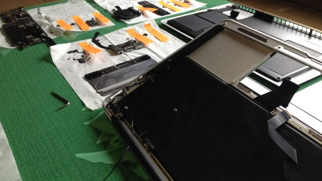自分でMacbook Air分解!トラックパッドを交換修理