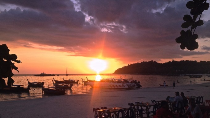 タイ リペ島 旅行