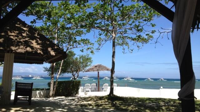 オランゴ島リゾートホテル