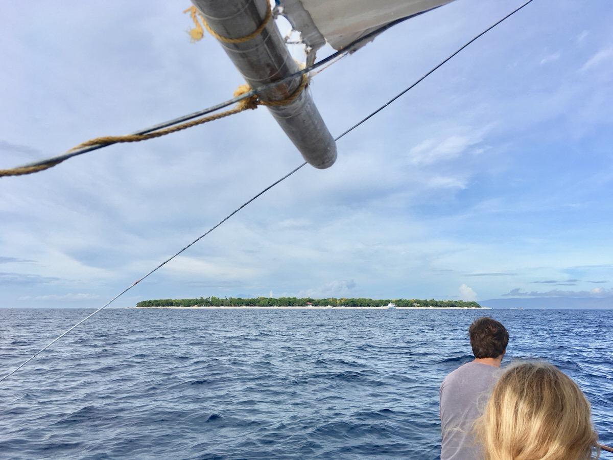 バリカサグ島アイランドホッピングツアー