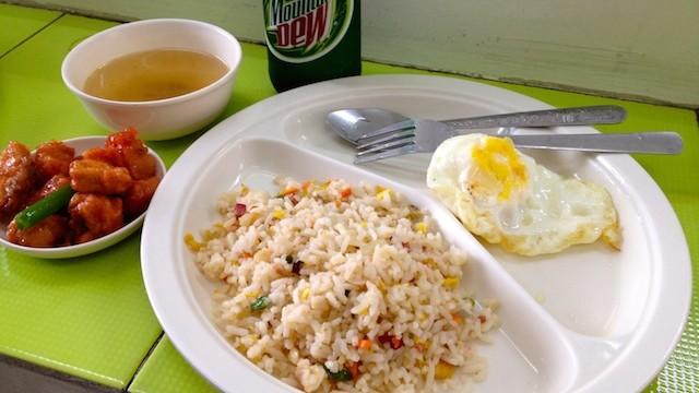 フィリピンセブのローカル食堂カレンデリア