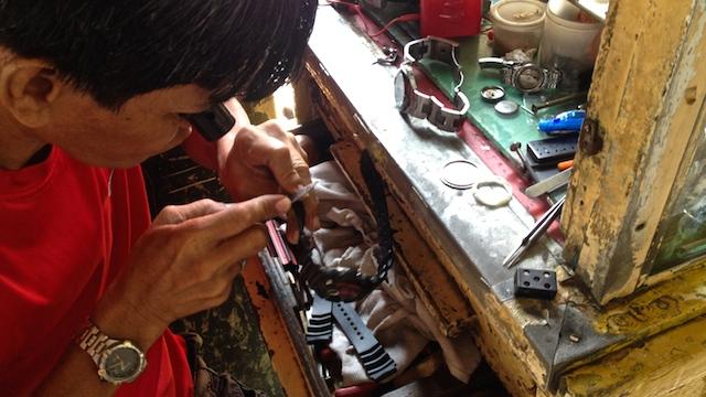 フィリピン•セブのコロン地区で腕時計を激安修理した体験談