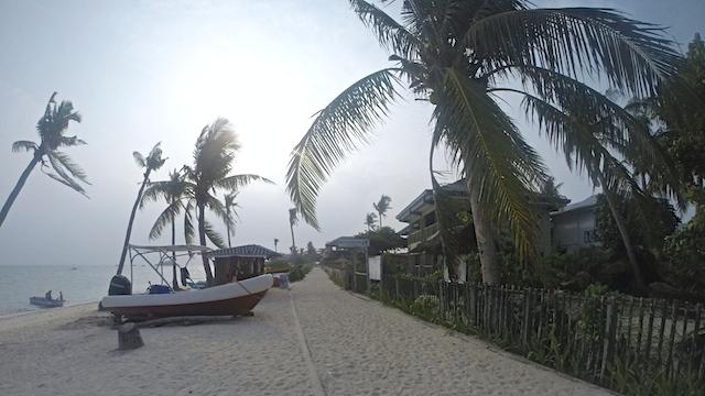 マラパスクアビーチ