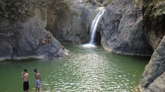 セブトレッキングカバング滝