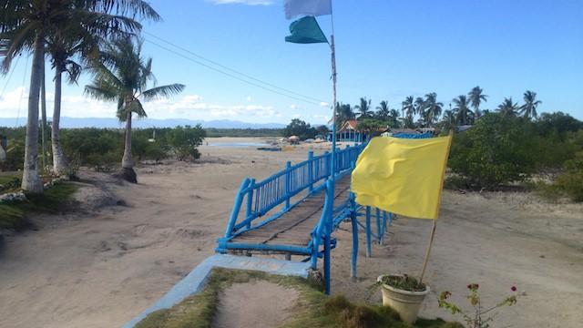 オランゴ島ビーチ