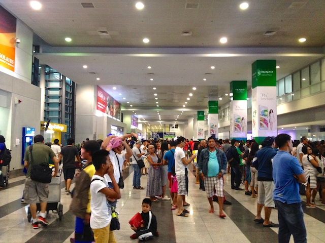 フィリピン 空港 マニラ