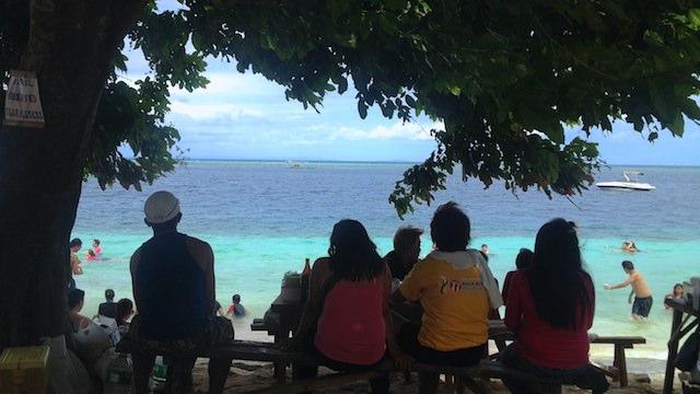 セブ島南部アルコイの人気ローカルビーチTingko Beach