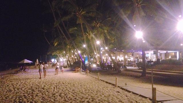 アロナビーチ 夜遊び