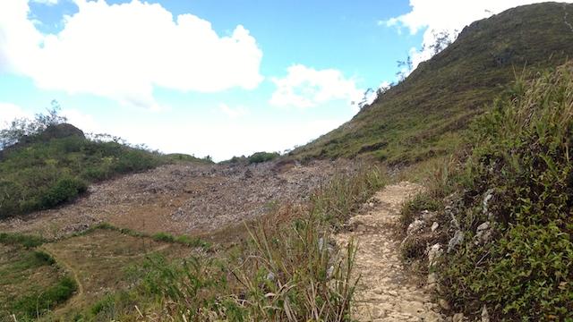 オスメニアピークハイキング