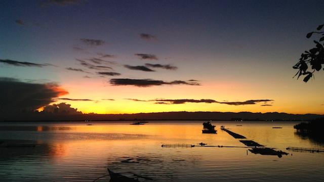 オランゴ島観光