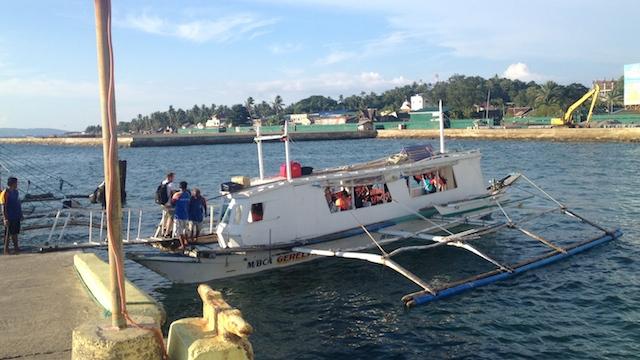 カティクラン港からボラカイ島へボート移動