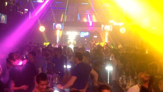 セブ島 クラブ パーティー