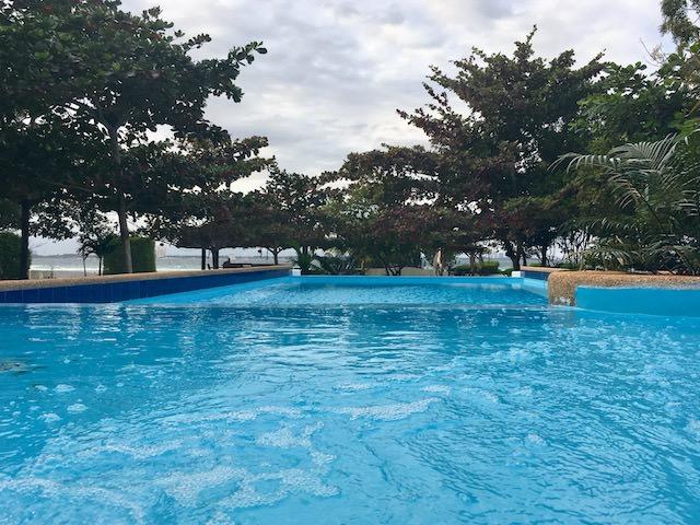 オランゴ島 プール