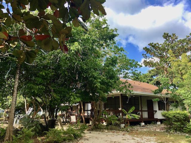 オランゴ島 リゾート