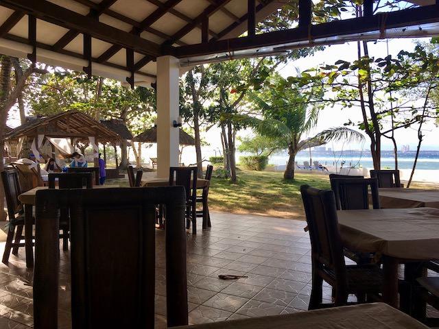 オランゴ島 レストラン