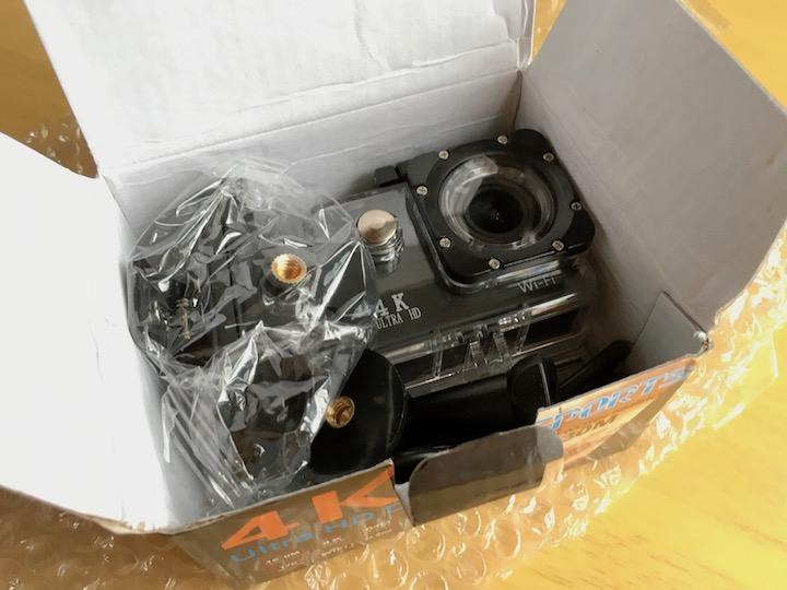 海外通販TOMTOPから届いた格安4Kアクションカメラ