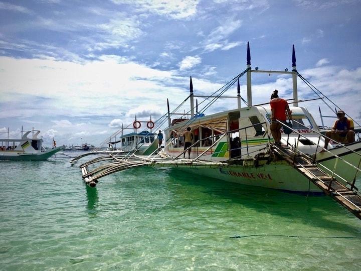 フィリピンのボラカイ島で現地アイランドホッピングツアー体験