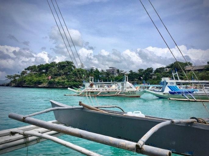 フィリピンのボラカイ島で現地アイランドホッピングもおすすめ