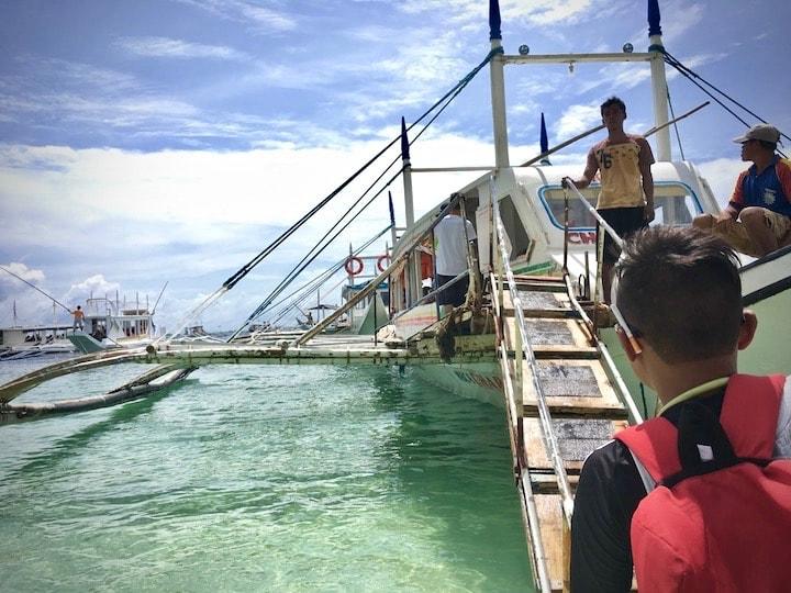 ボラカイ島のビーチを出発+アイランドホッピング開始