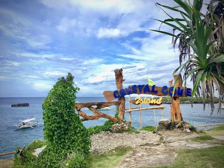フィリピンボラカイ島のクリスタルコーブアイランド