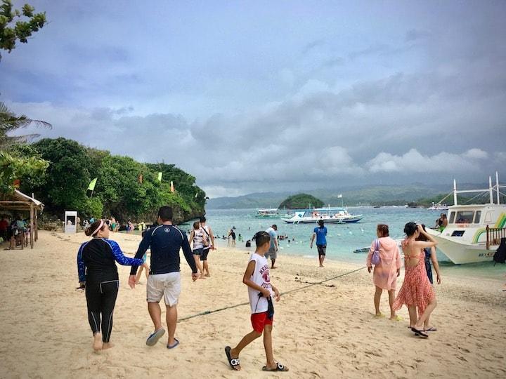 ボラカイ島クリスタルコーブアイランドのビーチ