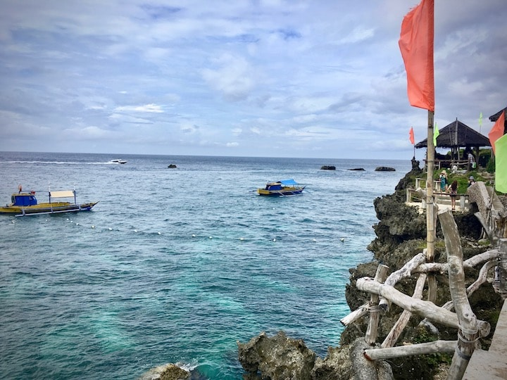 ボラカイ島のアイランドホッピングツアー定番スポット「クリスタルコーブアイランド」