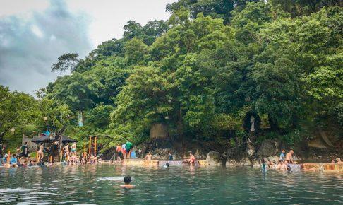フィリピンコロン島のマニキット温泉