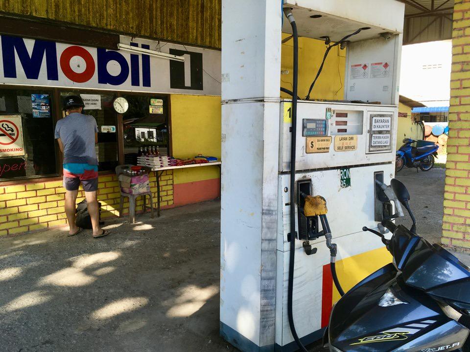ランカウイ島のガソリン料金