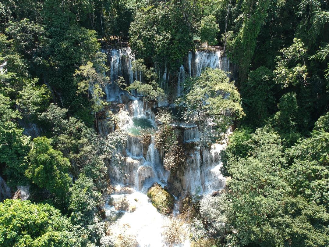 ルアンパバーンのクアンシー滝