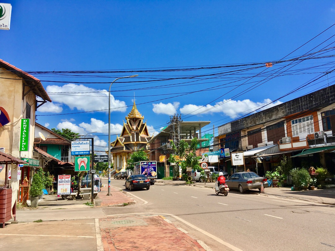 ラオスの首都ビエンチャンからバンビエンまで移動した体験談