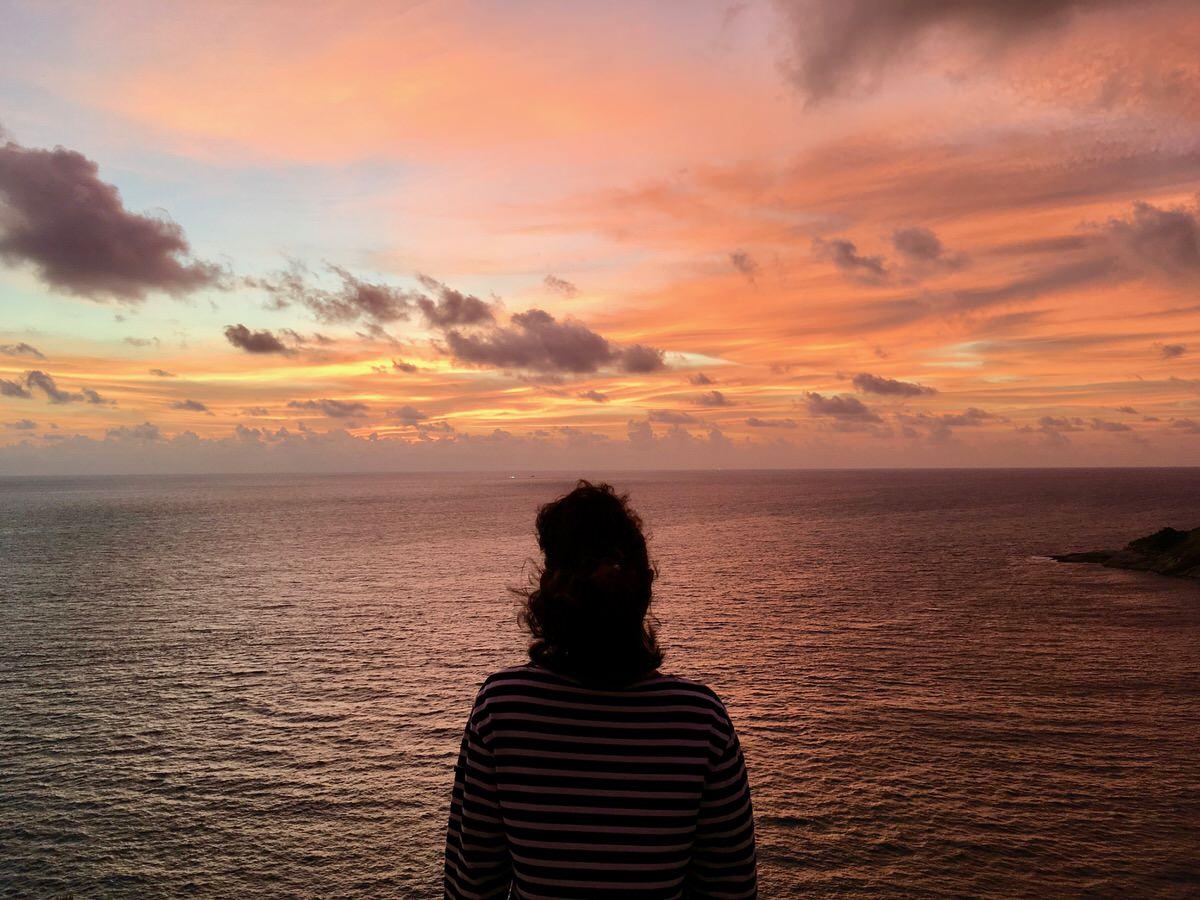 プーケットのプロンテップ岬から眺める絶景サンセット