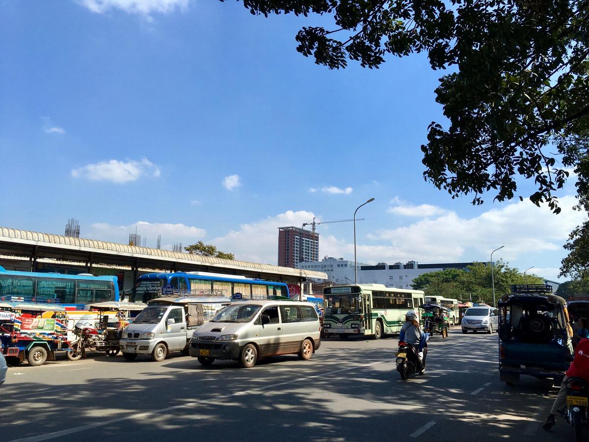 ラオスのビエンチャン市内にあるバスターミナル
