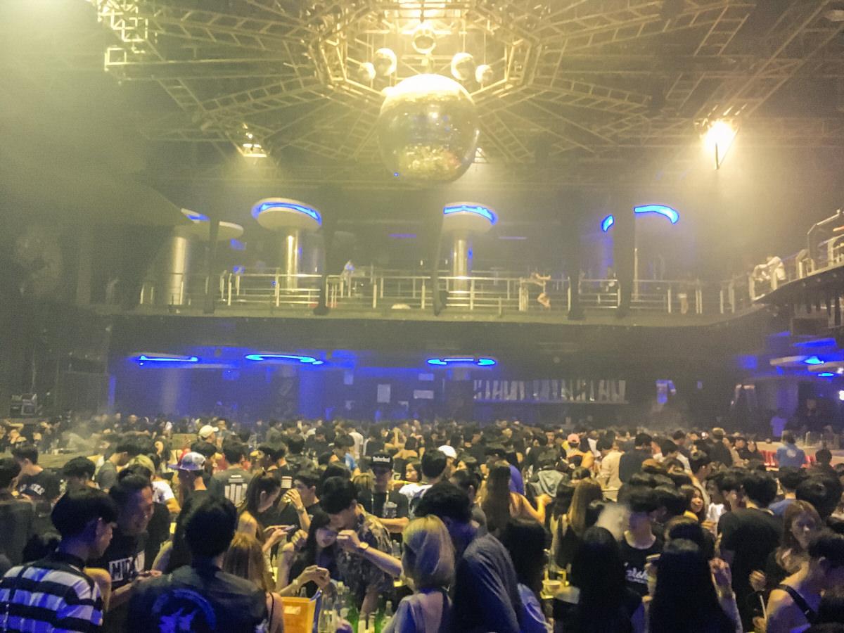 チェンライの夜遊びクラブ