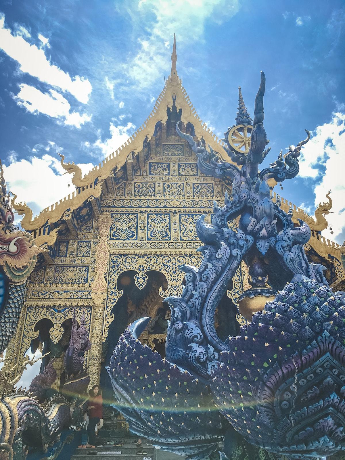 チェンライの青いお寺