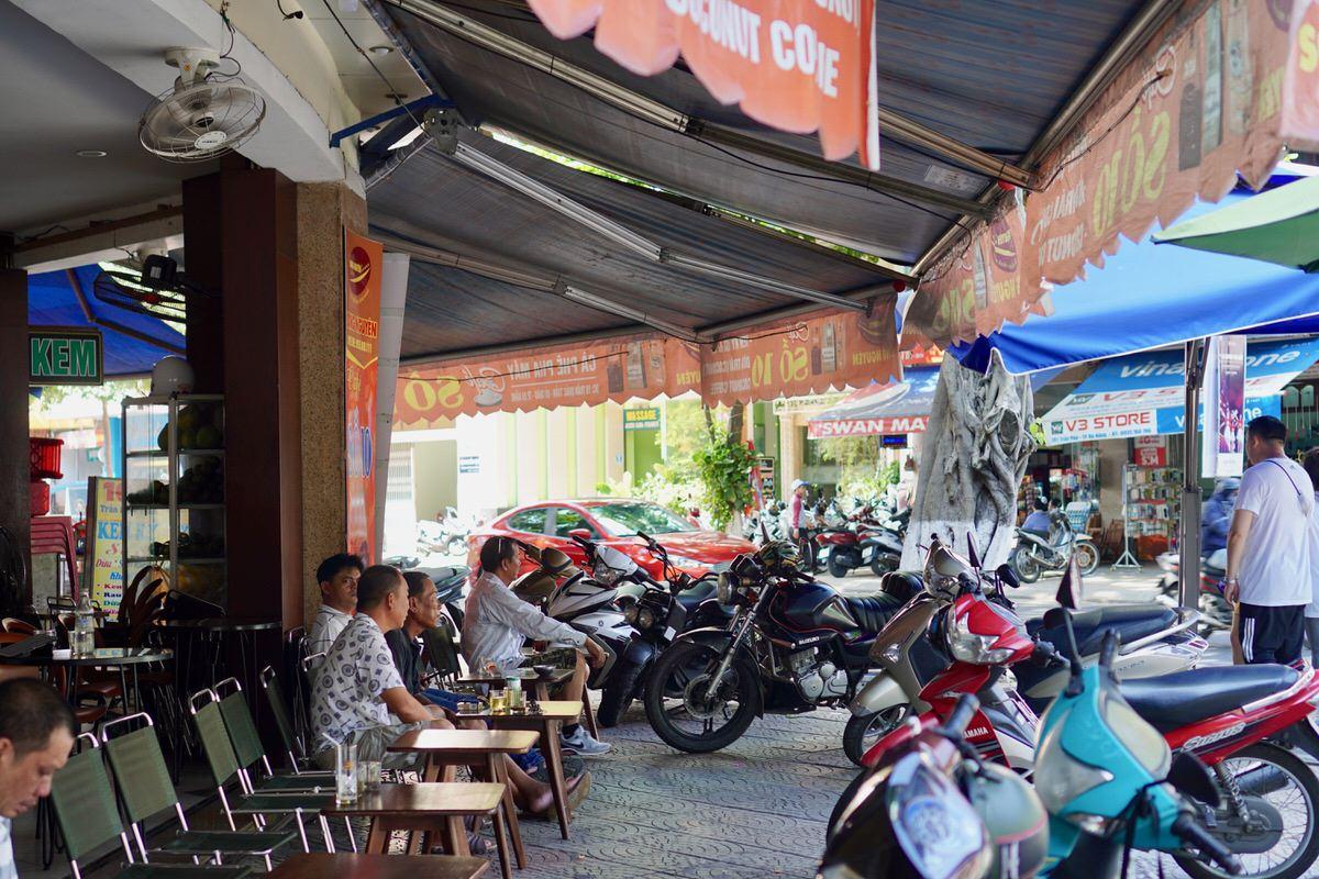 ベトナム・ダナンのカフェ